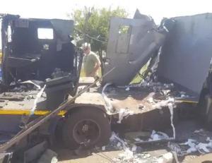 Armer-Robbers-Blow-Up-Bullion-Van-2