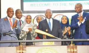 Dangote-60th-Birthday-Closing-Gong-ceremony-at-NSE-in-Lagos-3-e1491861590652