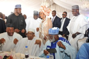 PIC.29.-IBB_S-DAUGHTER-HALIMA-MARRIES-IN-MINNA-600x398